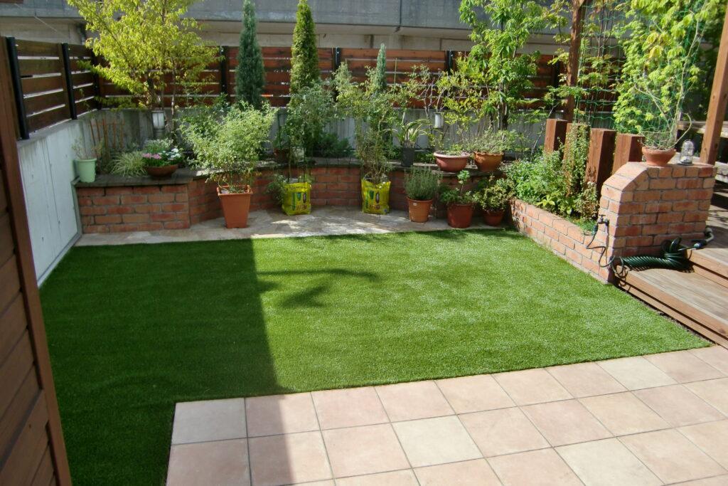 sターフを使用した庭での活用例の写真